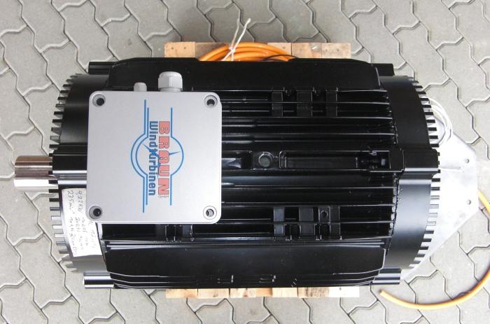 Der Generator CK18 für die ANTARIS 9.5 kW. 11.0 kW @ 255 rpm, max. 22 kW. Leistung satt für höchste Erträge bei Wind, Wasser und BHKWs!